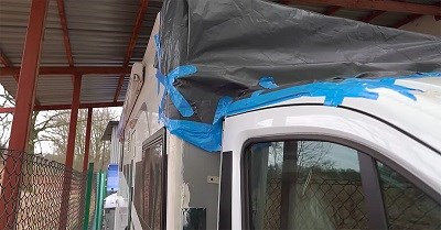 Jak naprawić kampera po wypadku drogowym?