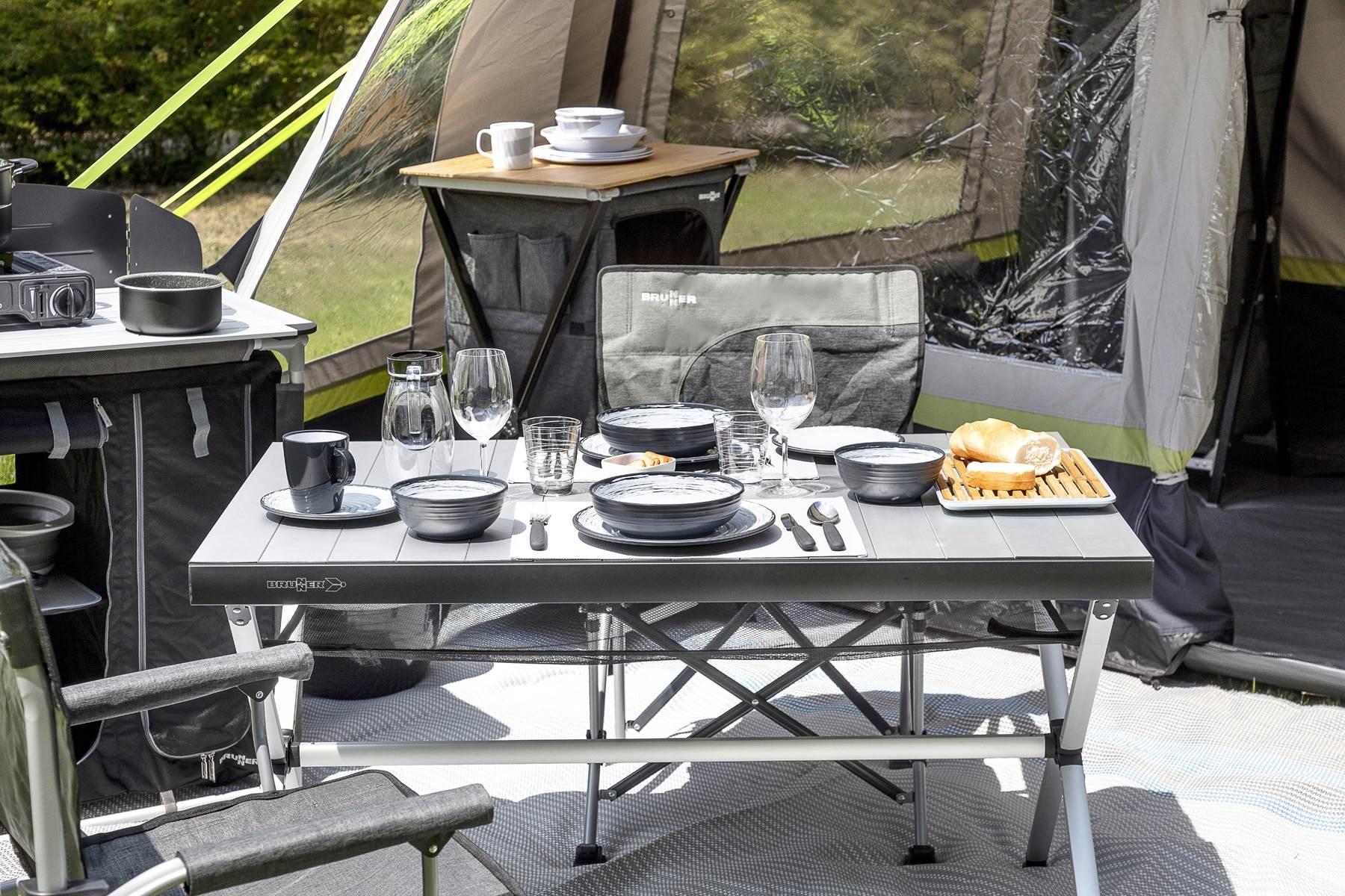 Jak dobrać stół do kampera lub przyczepy?